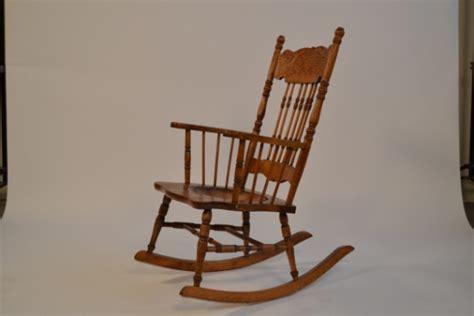 la chaise berceuse portrait de meuble canal vie