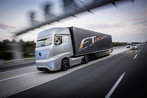 mercedes fabrique le camion du futur