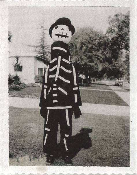 [halloween Treat] Tim Burton's Mom Made Him A Costume