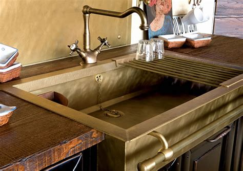 mobilier cuisine vintage stylish brass sinks with a retro look
