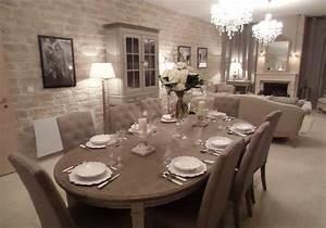 Le salon salle a manger for Deco cuisine avec chaise cuir blanc salle a manger