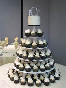 how much do wedding cakes cost cupcake tower weddingbee