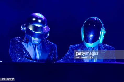 Daft Punk Stockfoto's en -beelden - Getty Images