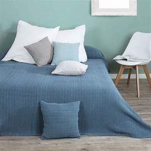 Couvre Lit Bleu : couvre lit boutis pour 2 personnes linge de lit eminza ~ Teatrodelosmanantiales.com Idées de Décoration