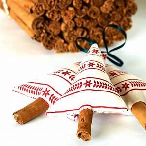 Primitive Scandinavian Christmas Decorations By SongoftheSeam