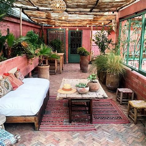 21 Bohemian Garden Decorating Ideas - Decomagz