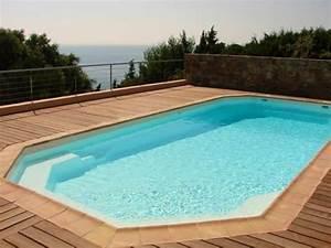 Piscine Plastique Rigide : prix d 39 une piscine en plastique rigide sainte maxime var ~ Voncanada.com Idées de Décoration