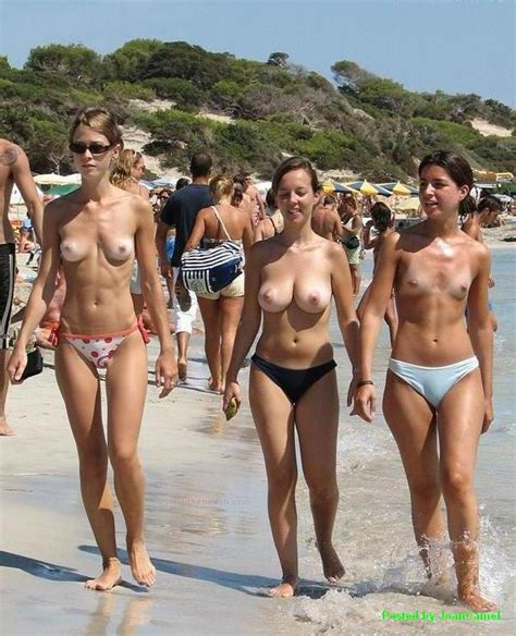 Public Spy Beach Voyeur Spy Topless Tits Candid Nude Beach Friends Group Naked