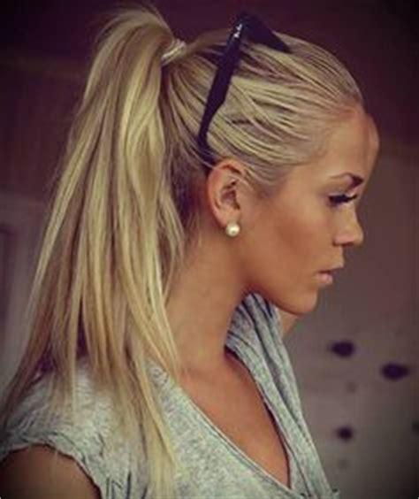 charming blonde hairstyles pretty designs