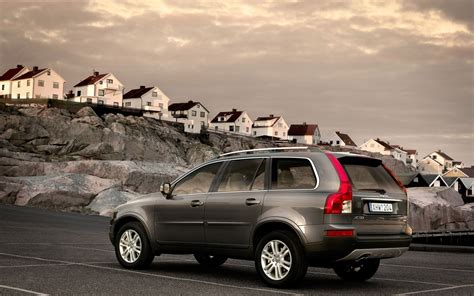 cars volvo xc desktop wallpaper nr   striker