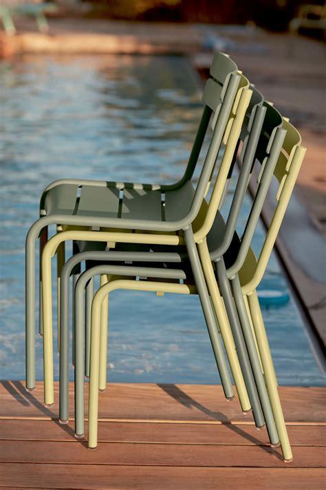 chaise luxembourg fermob soldes on aime un joli camaïeu de verts tout en subtilité et douceur tilleul cactus romarin le