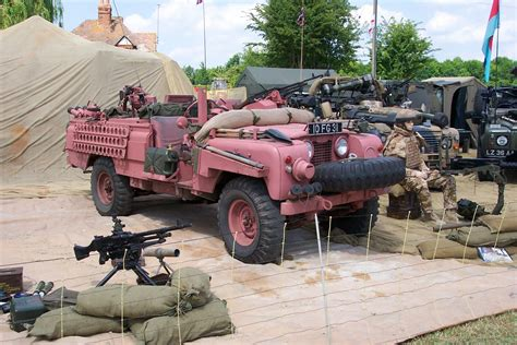sas land rover long range desert group jeeps and pink panthers