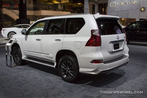 chicago auto show photo gallery   cars lexus