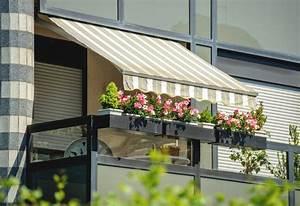 Balkonmarkisen als wetter und sichtschutz 45 ideen for Markise balkon mit tapete eigenes design