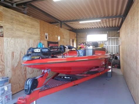 Bass Boat Garage by 25 Best Bass Boat Garage Images On Bass Boat