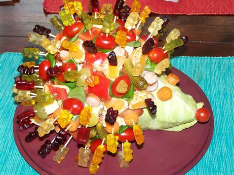herbst geburtstag kinder spitzkohl igel h 228 ppchen herbst www mottolino de kinderbuffett spitzkohl h 228 ppchen und buffet