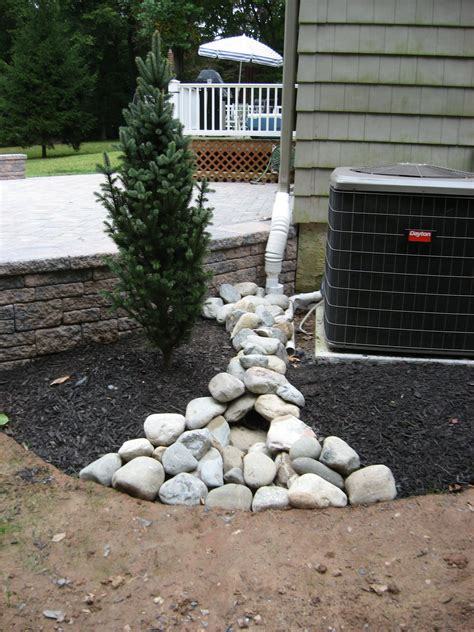 landscaping  patio  river jack rock covering