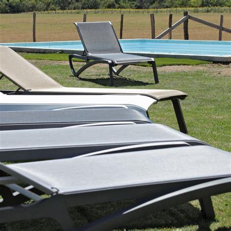 chaise longue piscine chaise longue piscine alizé grise la boutique