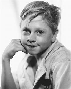 Mickey Rooney's will details final wishes