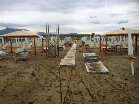 Ufficio Sta Regione Toscana Mareggiate A Viareggio Il Comune Fa La Conta Dei Danni