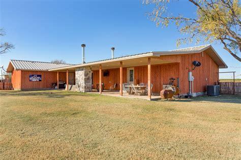 historic  acre north texas ranch hits  market