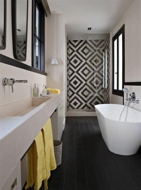 1000 id 233 es sur le th 232 me salles de bain noires sur salle de bains coiffeuses salle