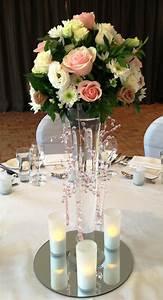 Tisch Blumen Hochzeit : tischdeko 60 ideen wie sie mit blumen den tisch farbenfroh dekorieren ~ Orissabook.com Haus und Dekorationen