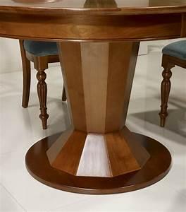 Table Ronde Extensible Pied Central : table ronde pied central en merisier de style contemporain modele unique meuble en merisier ~ Teatrodelosmanantiales.com Idées de Décoration