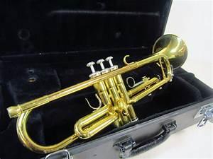 Yamaha Brass Trumpet Musical Instrument YTR2335 427835A ...