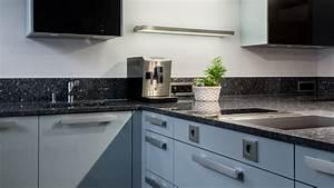 Küche T Form : t f rmige k che mit natursteinarbeitsplatte b hm ~ Michelbontemps.com Haus und Dekorationen