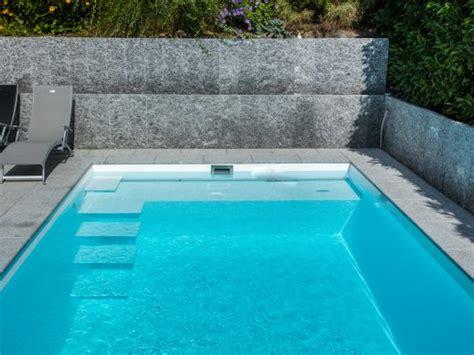 pool mit sitzbank gartenbad veltmann fertigschwimmbecken