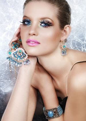 Бриллианты, ювелирные изделия с бриллиантами, ювелирные..
