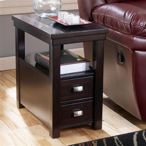 Signature Design by Ashley Hadley Chairside End Table with 2 Drawers & 1 Shelf   Rotmans   End