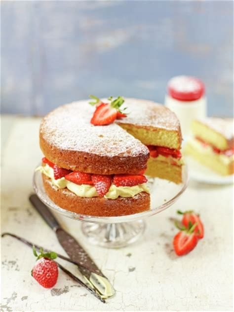 strawberry cream sandwich sponge fruit recipes jamie