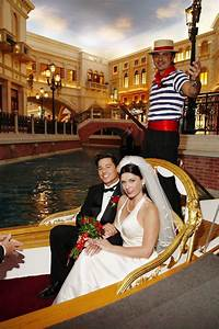 9 unique las vegas wedding venues for adventurous couples for Venetian las vegas wedding photos