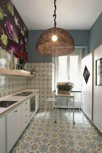 Moderne Fliesen Küche : eine elegante wohnung in mailand zeigt einen bunten ~ A.2002-acura-tl-radio.info Haus und Dekorationen