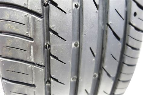 This Innovative Self-repairing Tire Contains A Layer Of