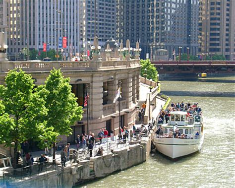 Chicago Night Boat Tours by Chicago Tours Chicago River Boat Tours