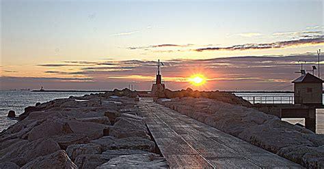 immagini di mare al tramonto