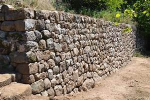 maison ossature bois de pierres et de bois With extension maison en l 17 mur en pierre sache de pierres et de bois