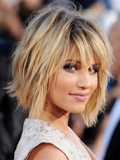 coupe de cheveux femme carre plongeant degrade