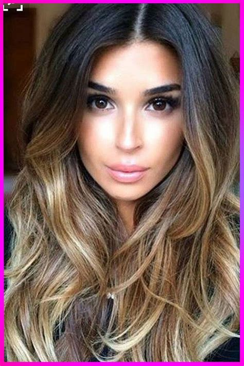 Lovely Long Layered Wavy Hairstyles ideas for Womens with