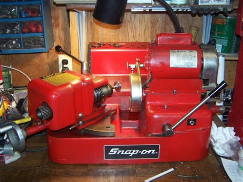 Who Made This Valve Grinding Machine?