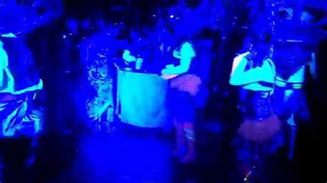 luz ultra azul  comparsa neon eventos especiales