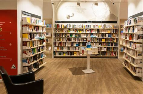 Libreria Piazza Duomo by Feltrinelli Piazza Duomo Club