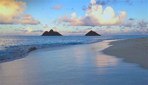 Kayaking To Oahu's Mokulua Islands