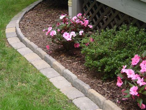 34672 flower bed edging ideas edging a flower bed with cement pavers this link gives you