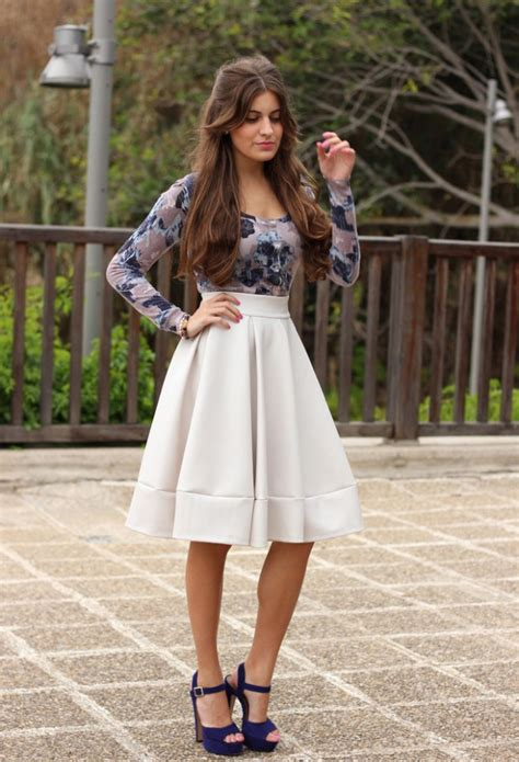 17 Classy and Chic Midi Skirt Outfit Ideas - Style Motivation