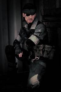 This cosplayer is the spitting image of Metal Gear's Big ...