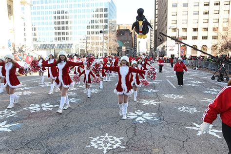 Ameren-Missouri-Thanksgiving-Day-Parade_17 – Christmas in ...